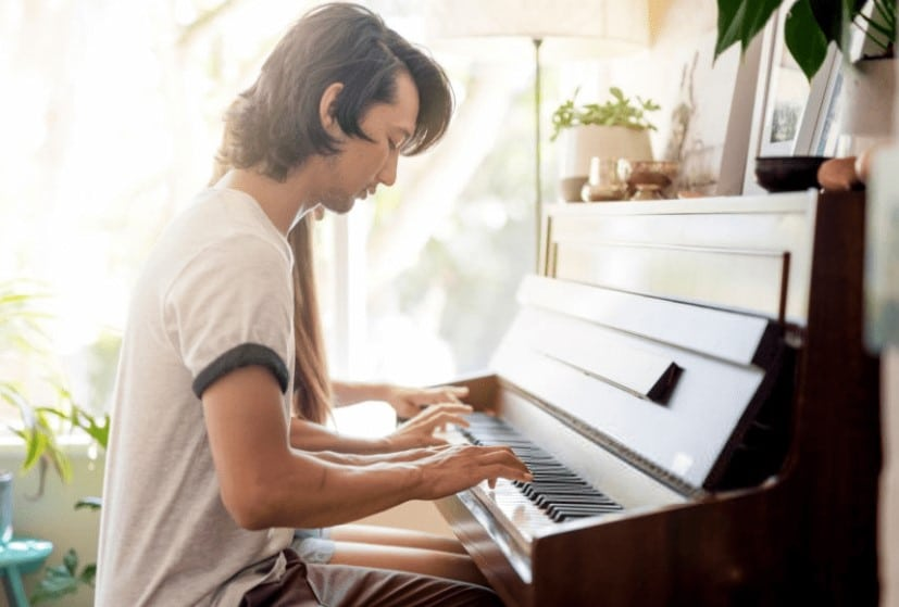 10 Wonderful Digital Pianos For Beginners