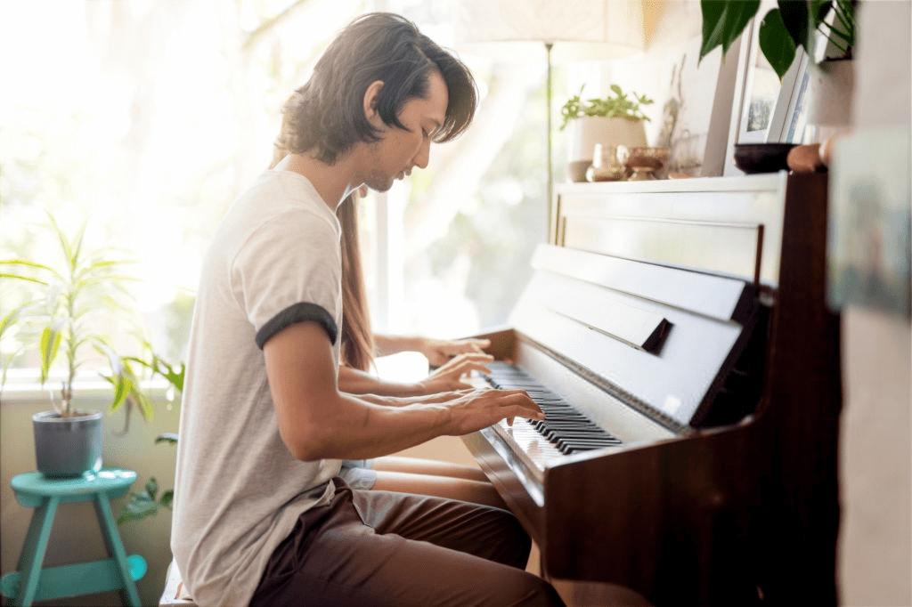 Best Digital Pianos For Beginner