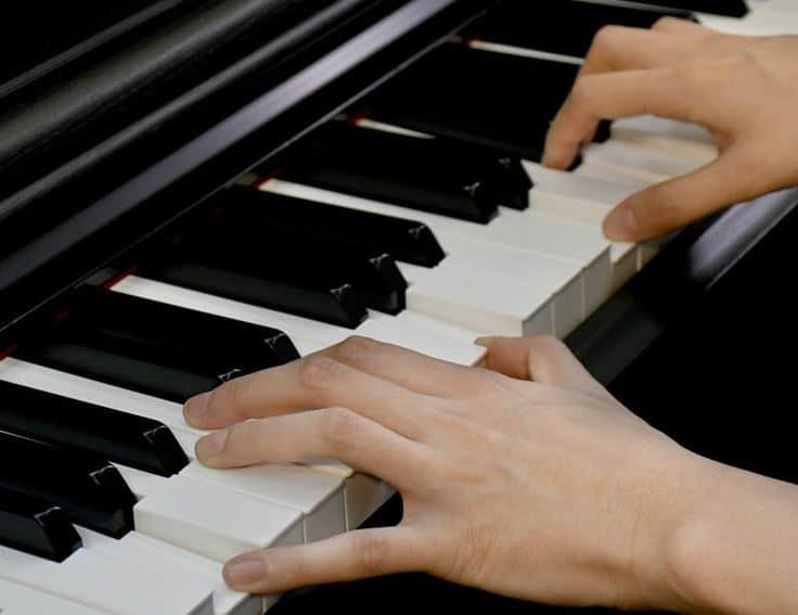 yamaha arius 143 keyboard