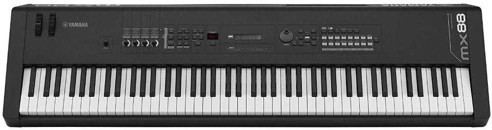 Roland FA 07 Alternate Yamaha MX88 88-Key Weighted Action Synthesizer
