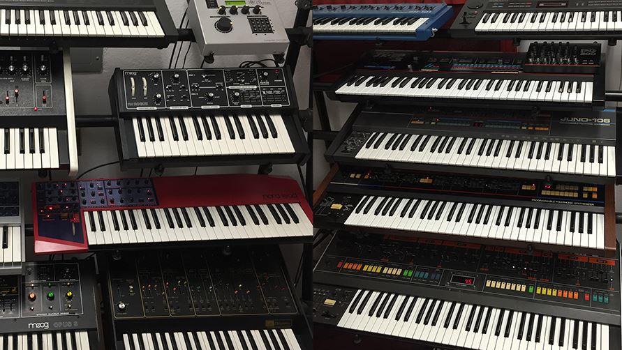digital piano vs keyboard vs synths